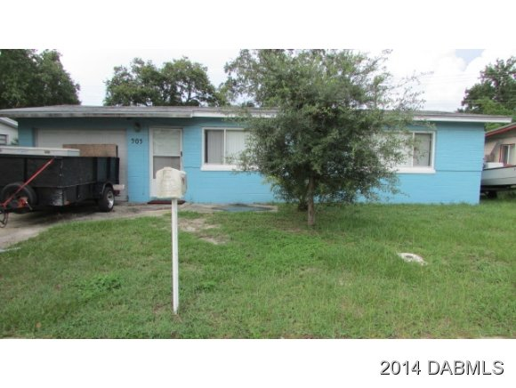 905 Lewis Dr, Daytona Beach, FL 32117