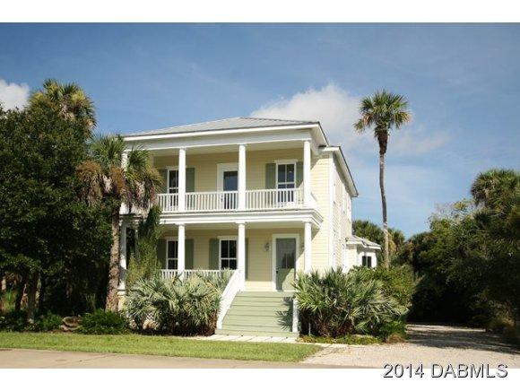 644 Riverside Knoll Dr, Oak Hill, FL 32759