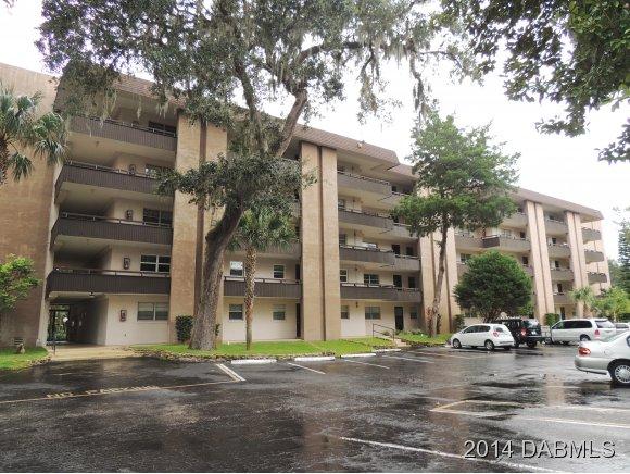 Single Family Home for Sale, ListingId:30013341, location: 640 Nova Rd N Ormond Beach 32174