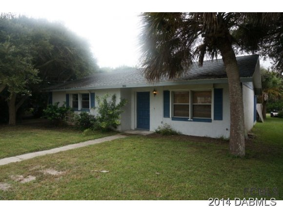 1212 S Daytona Ave, Flagler Beach, FL 32136