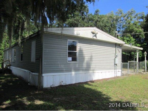 226 W Halifax Ave, Oak Hill, FL 32759
