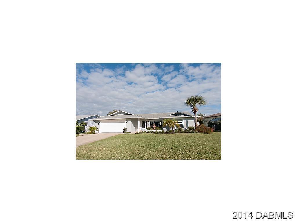 330 N 11th St, Flagler Beach, FL 32136