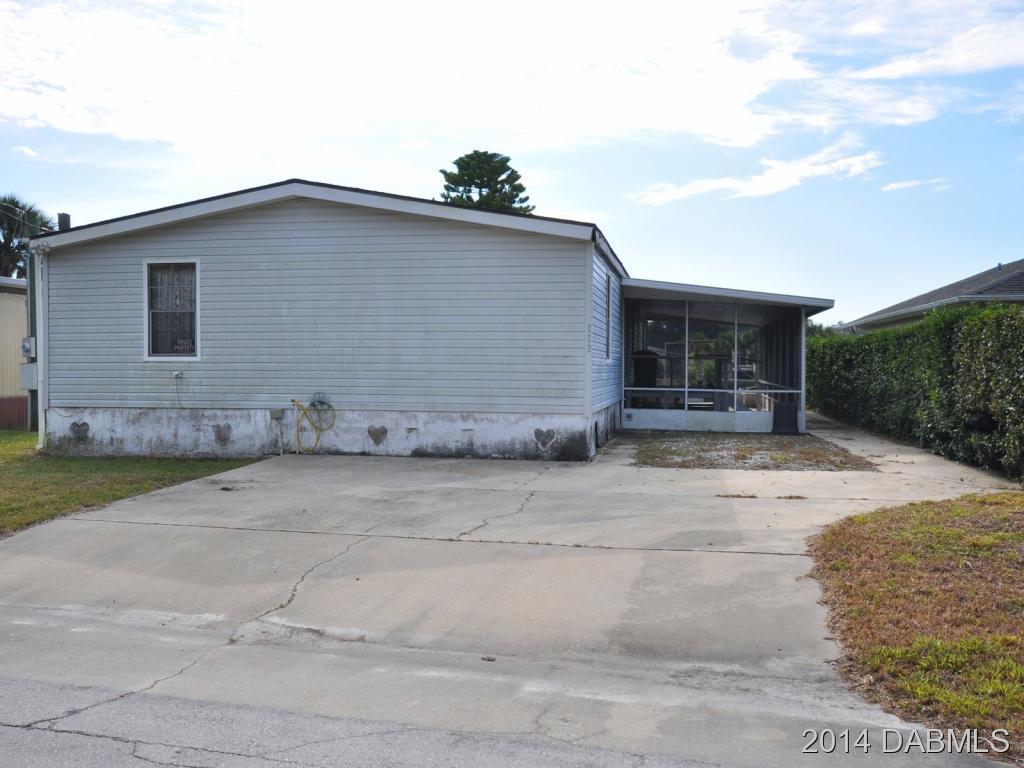 113 E Ariel Rd, Oak Hill, FL 32759