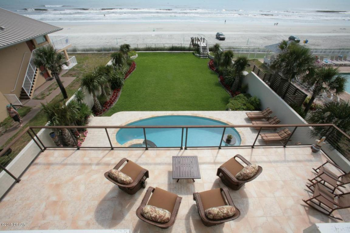 One of New Smyrna Beach 4 Bedroom Homes for Sale