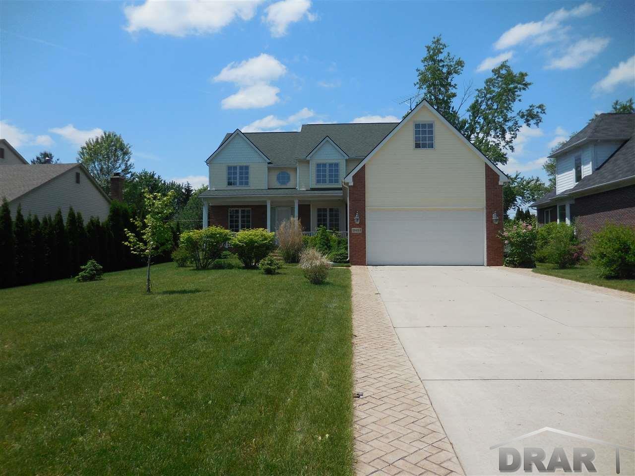 Real Estate for Sale, ListingId: 33150274, Livonia,MI48152