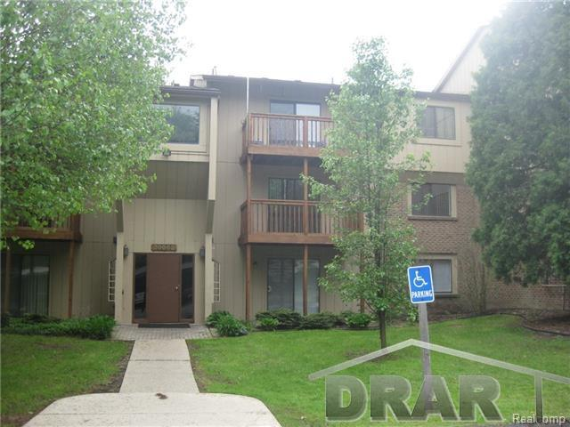 Rental Homes for Rent, ListingId:37102929, location: 30052 Twelve Mile Farmington Hills 48334