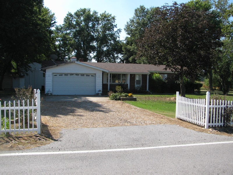 Real Estate for Sale, ListingId: 25377102, du Quoin,IL62832