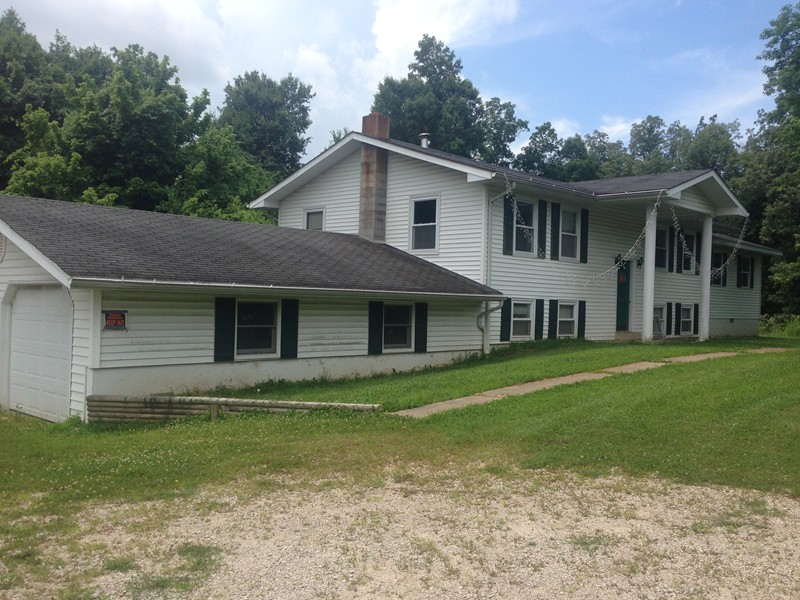690 Swan Pond Rd, Dongola, IL 62926