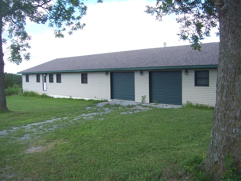 4420 Moscow Rd, Dongola, IL 62926