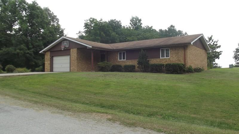 333 Spring St, Dongola, IL 62926