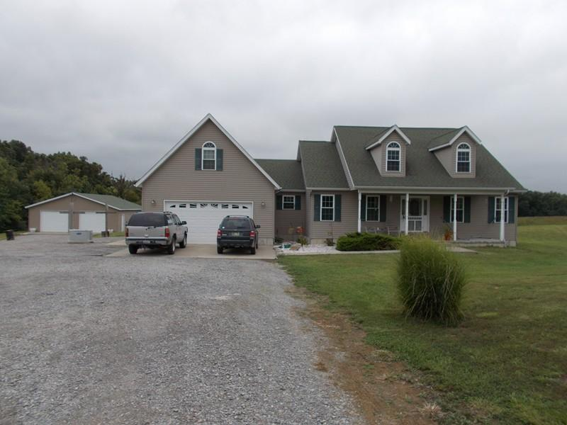 Real Estate for Sale, ListingId: 32656199, McLeansboro,IL62859