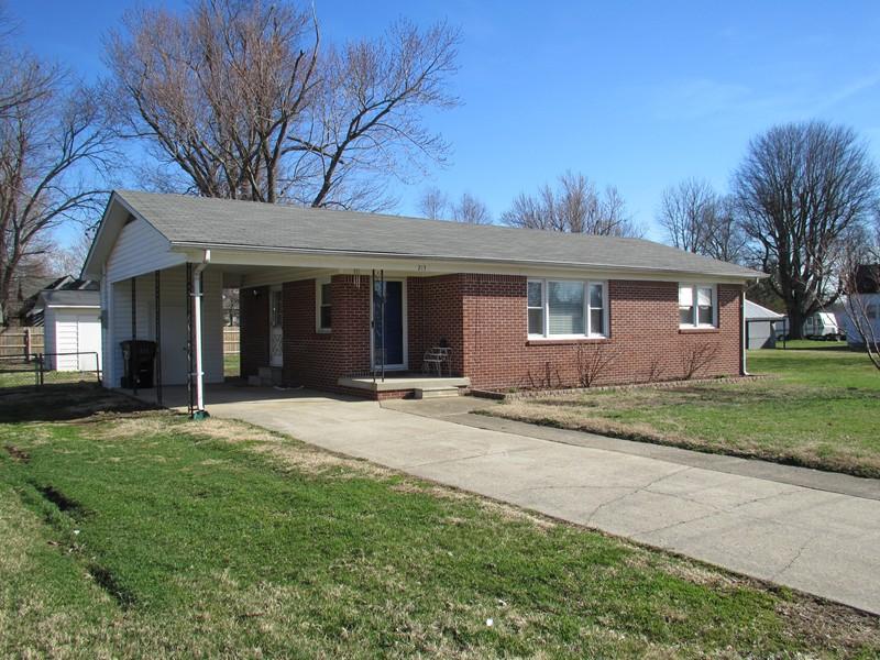 213 E 3rd St, Brookport, IL 62910