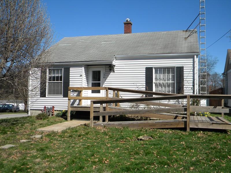 Real Estate for Sale, ListingId: 32596377, du Quoin,IL62832