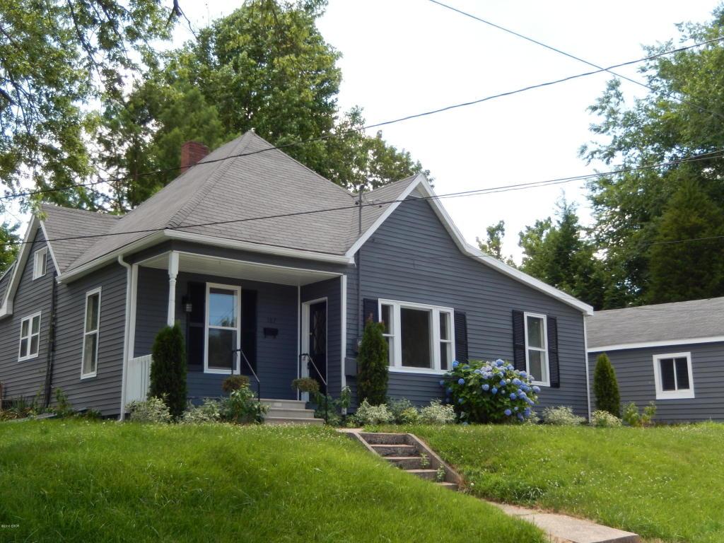 107 Norris St, Anna, IL 62906