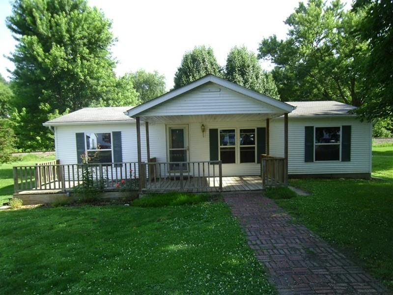 105 N Park Ct, Percy, IL 62272