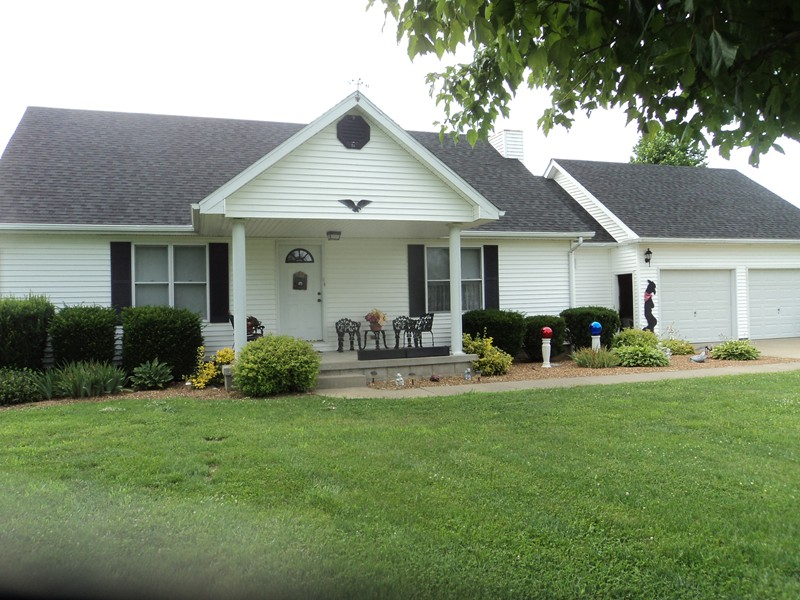 Real Estate for Sale, ListingId: 34046009, Stonefort,IL62987