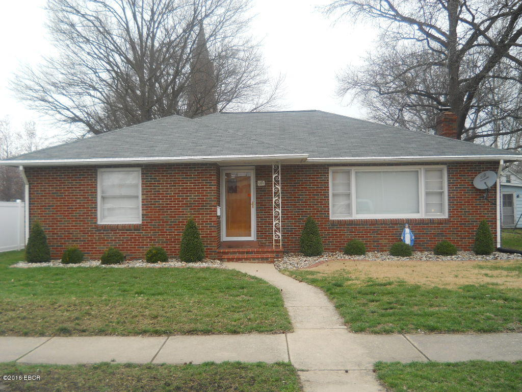 Photo of 1171 Fairfax Street  Carlyle  IL