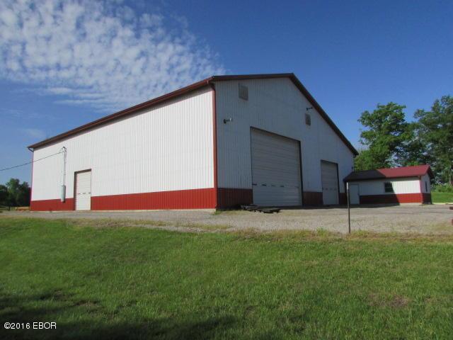 696 Bethel Rd, Vergennes, IL 62994