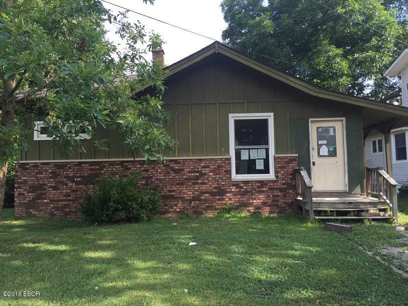 Photo of 205 6th Street  Benton  IL
