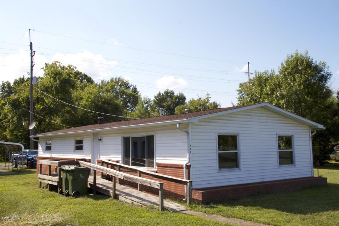 210 N Chestnut St, De Soto, IL 62924