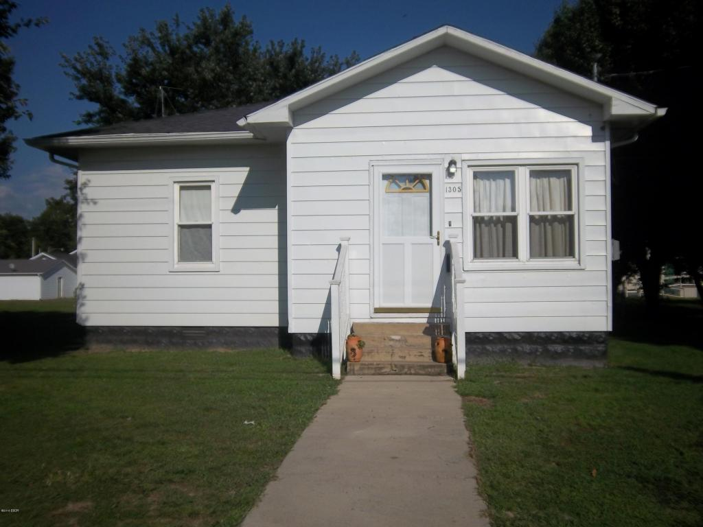 Photo of 1305 Pine Avenue  Johnston City  IL