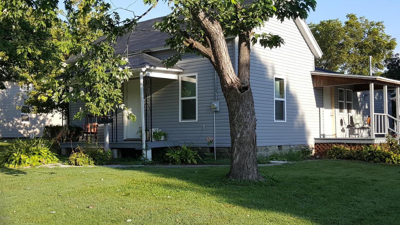 Photo of 813 St Louis Street  Pinckneyville  IL
