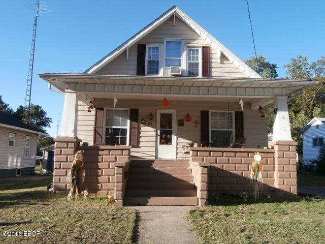 Photo of 214 East Cole Street  Duquoin  IL