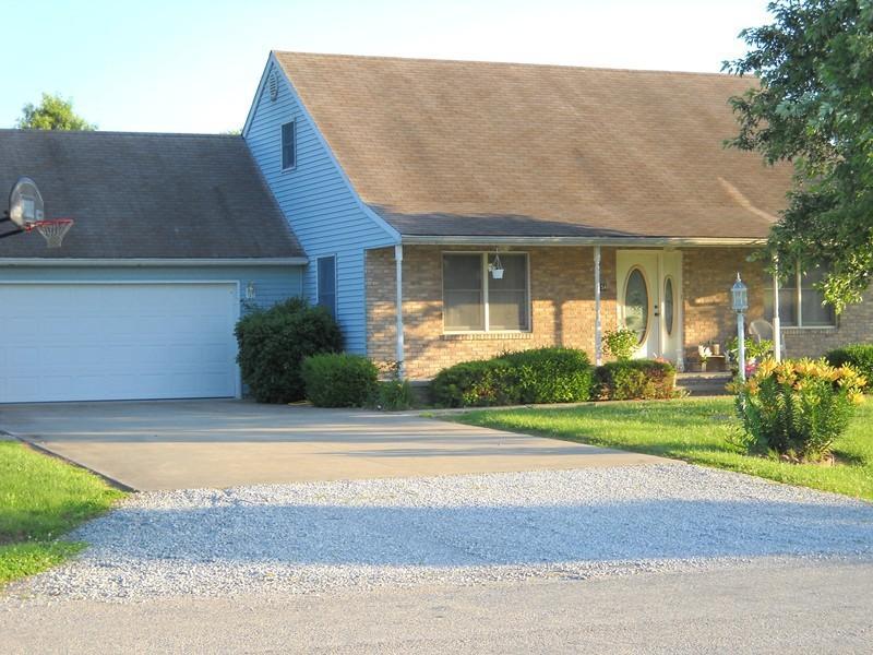 154 Brian Ave, Murphysboro, IL 62966