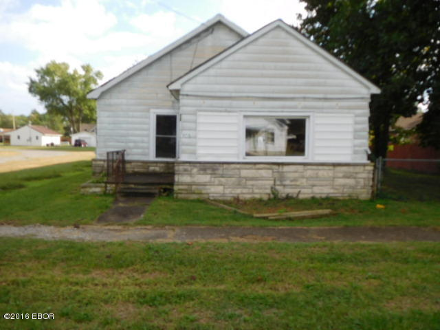 406 E Garland St, West Frankfort, IL 62896