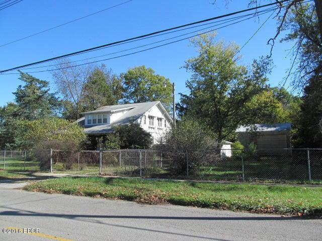 1008 S 12th St, Mount Vernon, IL 62864