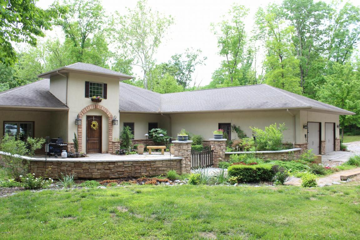 Photo of 208 Copperhead Trail  Carbondale  IL