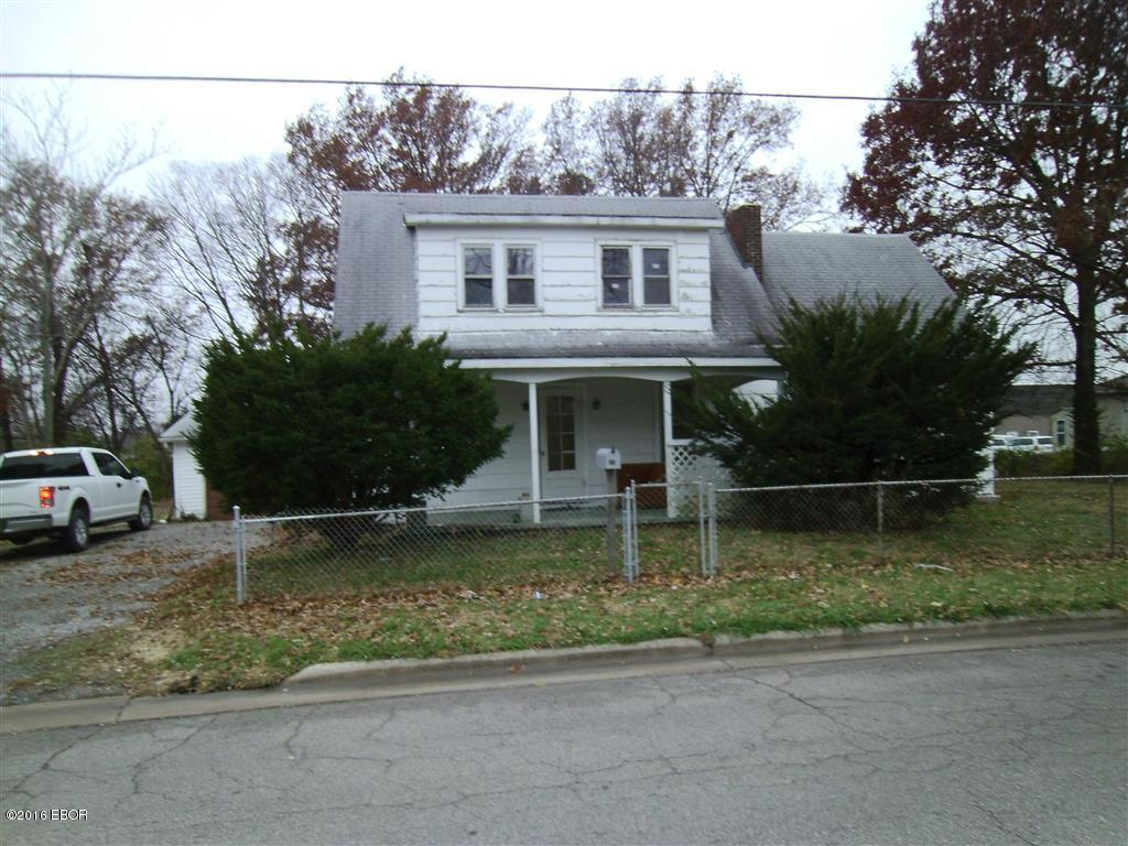 Photo of 403 Chester Street  Sparta  IL
