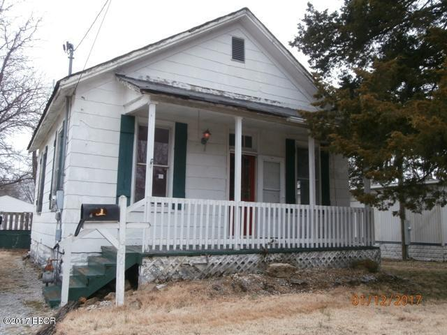 Photo of 606 East Cole Street  Duquoin  IL