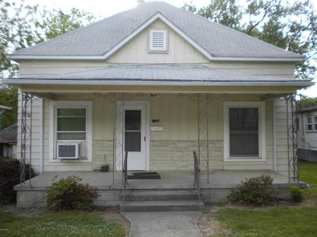 1917 Saline Ave, Eldorado, IL 62930