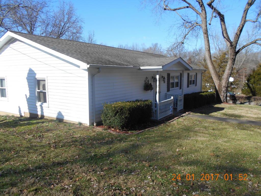 80 Hilltop Rd, Harrisburg, IL 62946