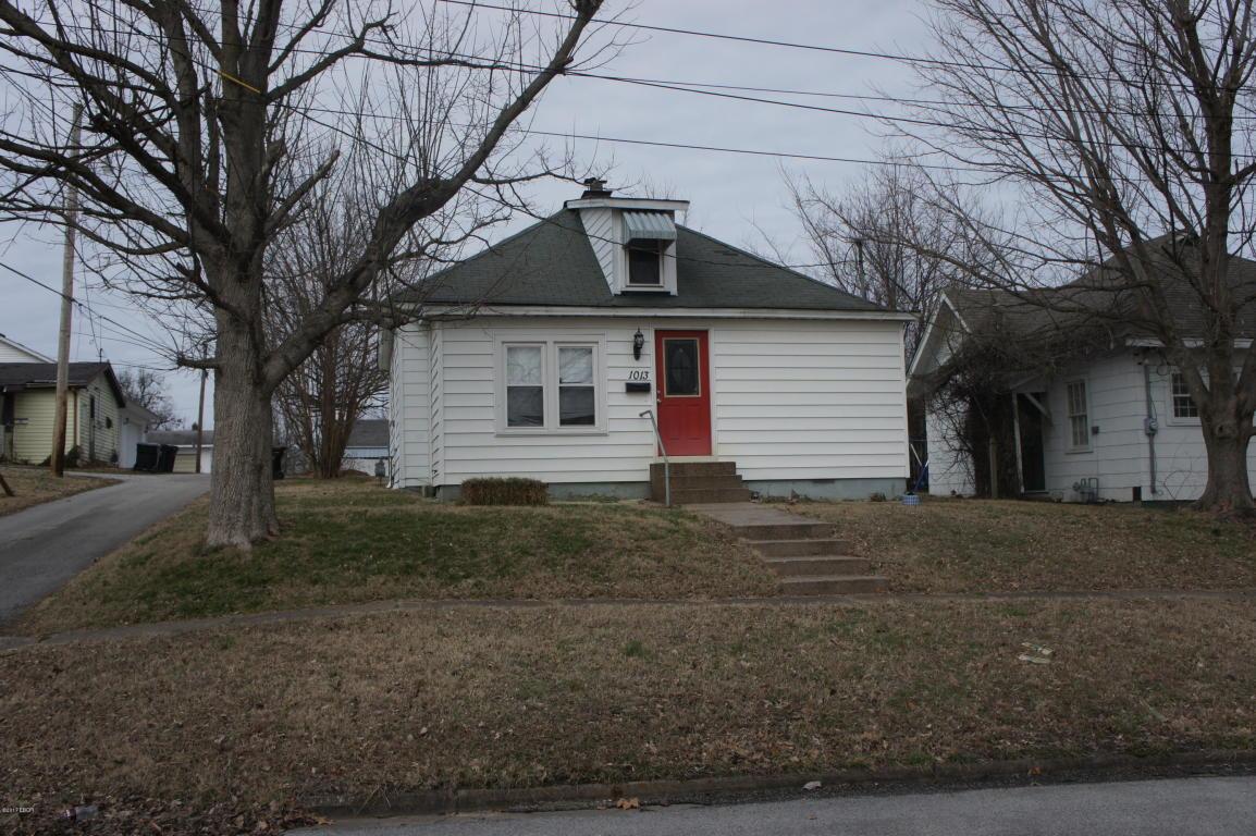 1013 Girard St, Metropolis, IL 62960