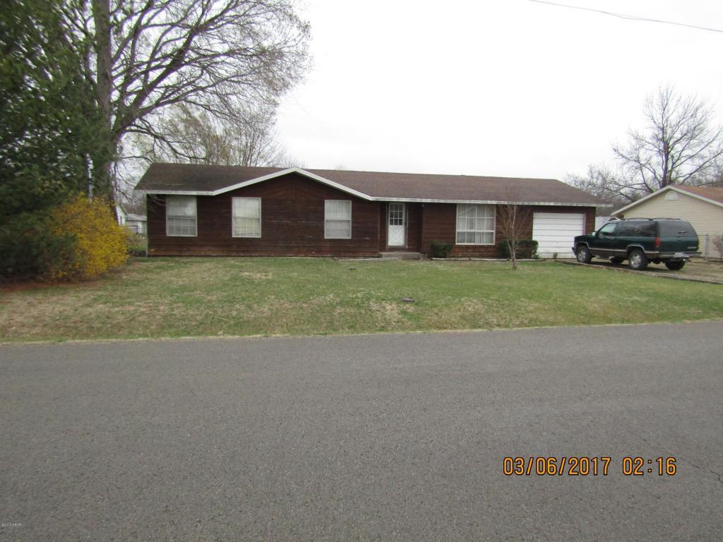 Photo of 304 Roddy Road  Salem  IL