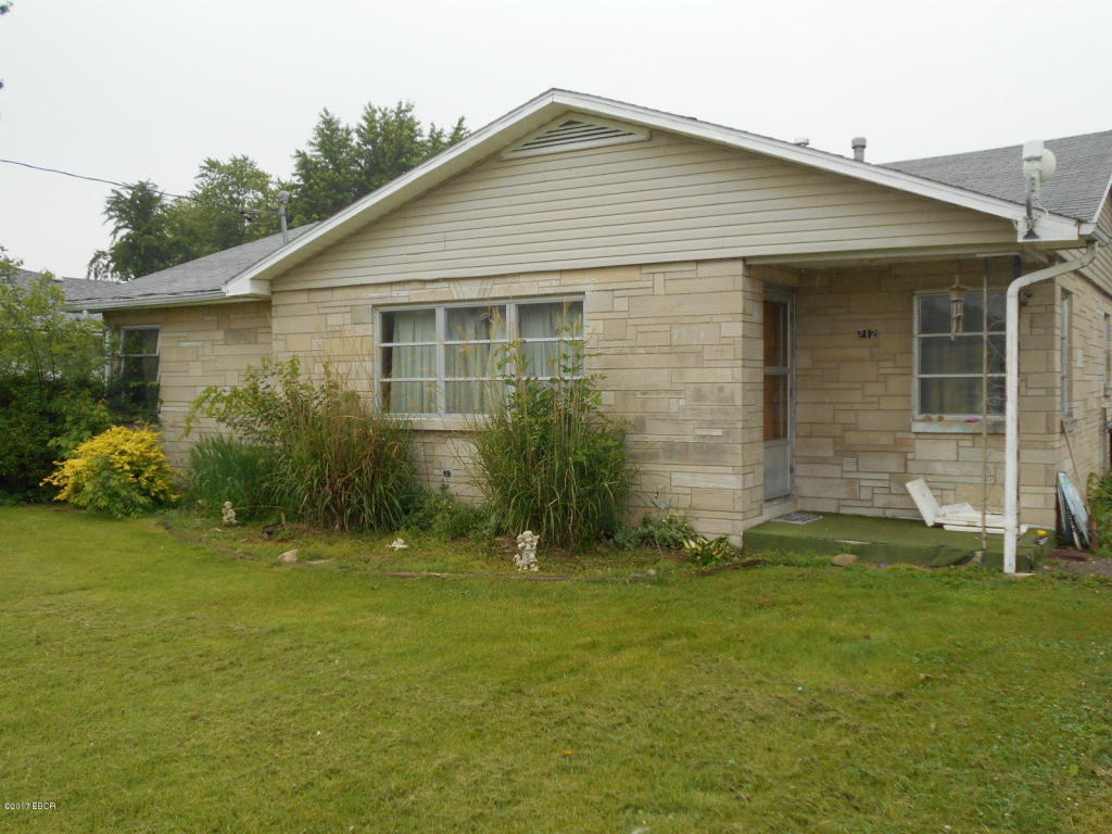 Photo of 712 Walnut Se Street  Clay City  IL