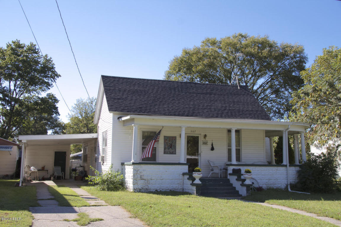 Photo of 307 Howard Street  Duquoin  IL