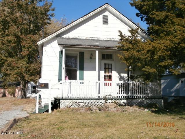 Photo of 606 East Cole Street  Duquoin  IL