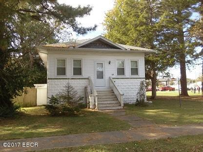 Photo of 105 8th Street  Benton  IL
