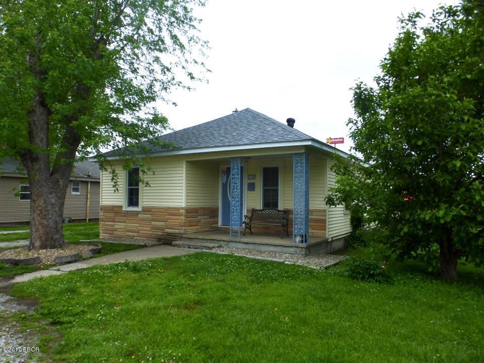 Photo of 1103 Oak Street  West Frankfort  IL