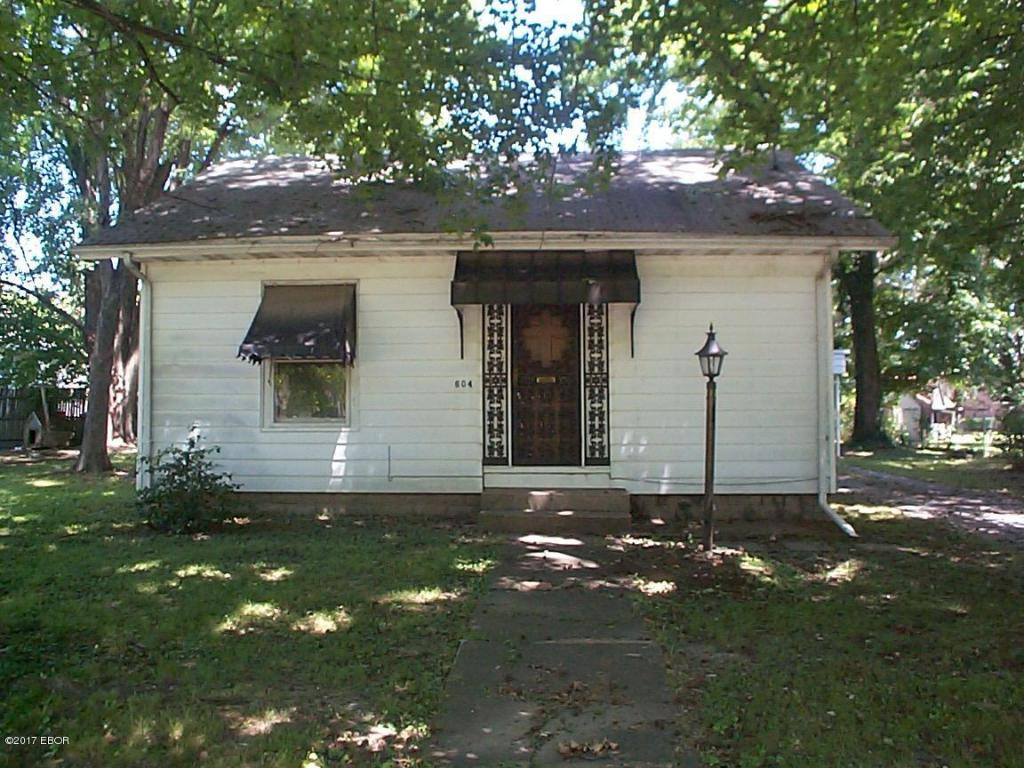 Photo of 604 First Street  Benton  IL