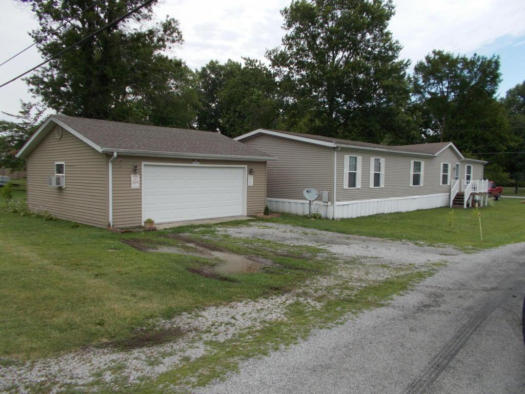 Photo of 1311 Iowa Street  Pinckneyville  IL