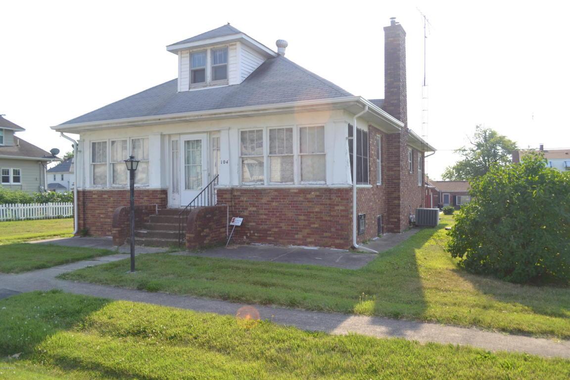 Photo of 104 4th Street  Irvington  IL
