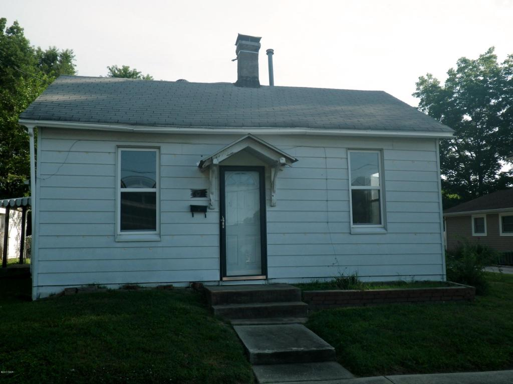 Photo of 639 Elm  Nashville  IL