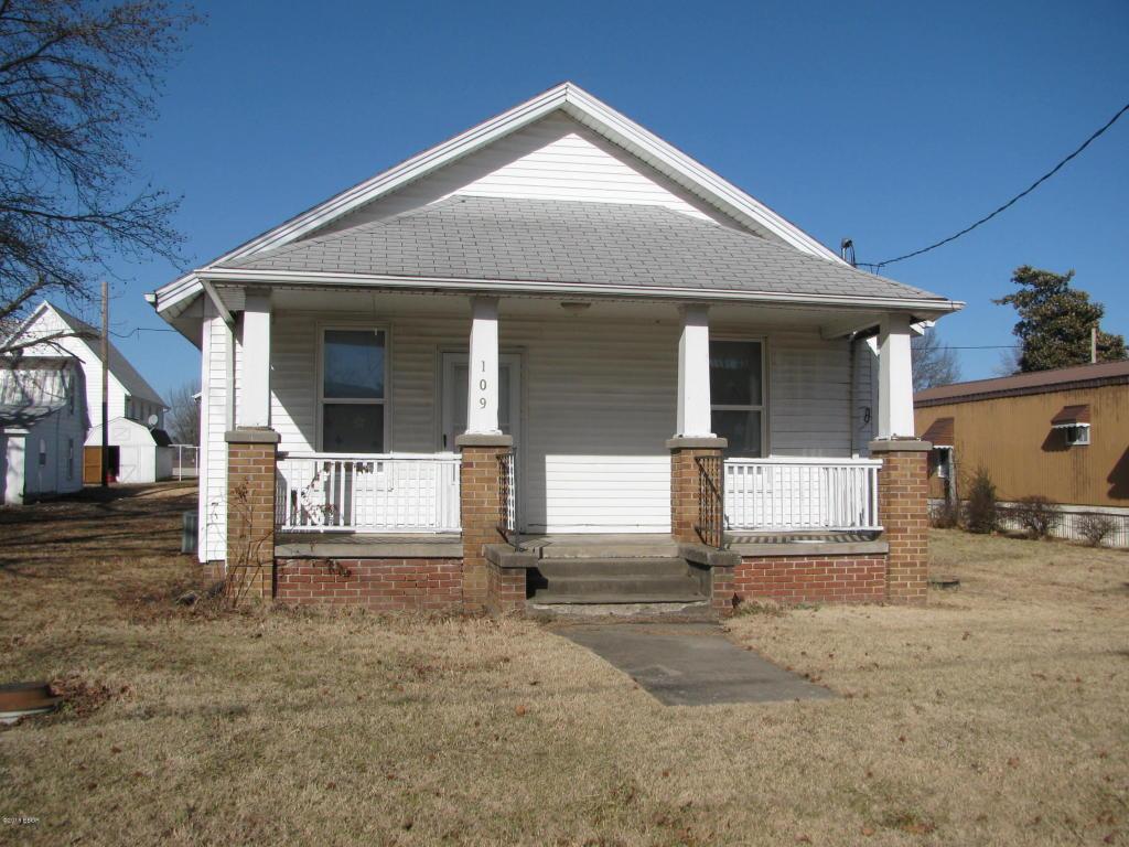 109 Public Street Ava, IL 62907