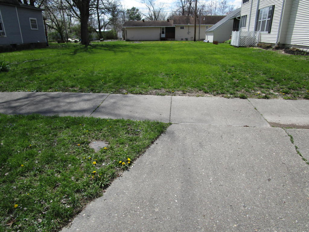 619 Main Street Flora, IL 62839