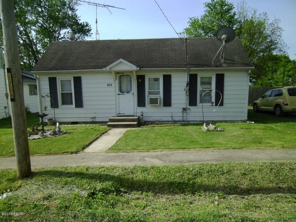 108 Public Street Ava, IL 62907