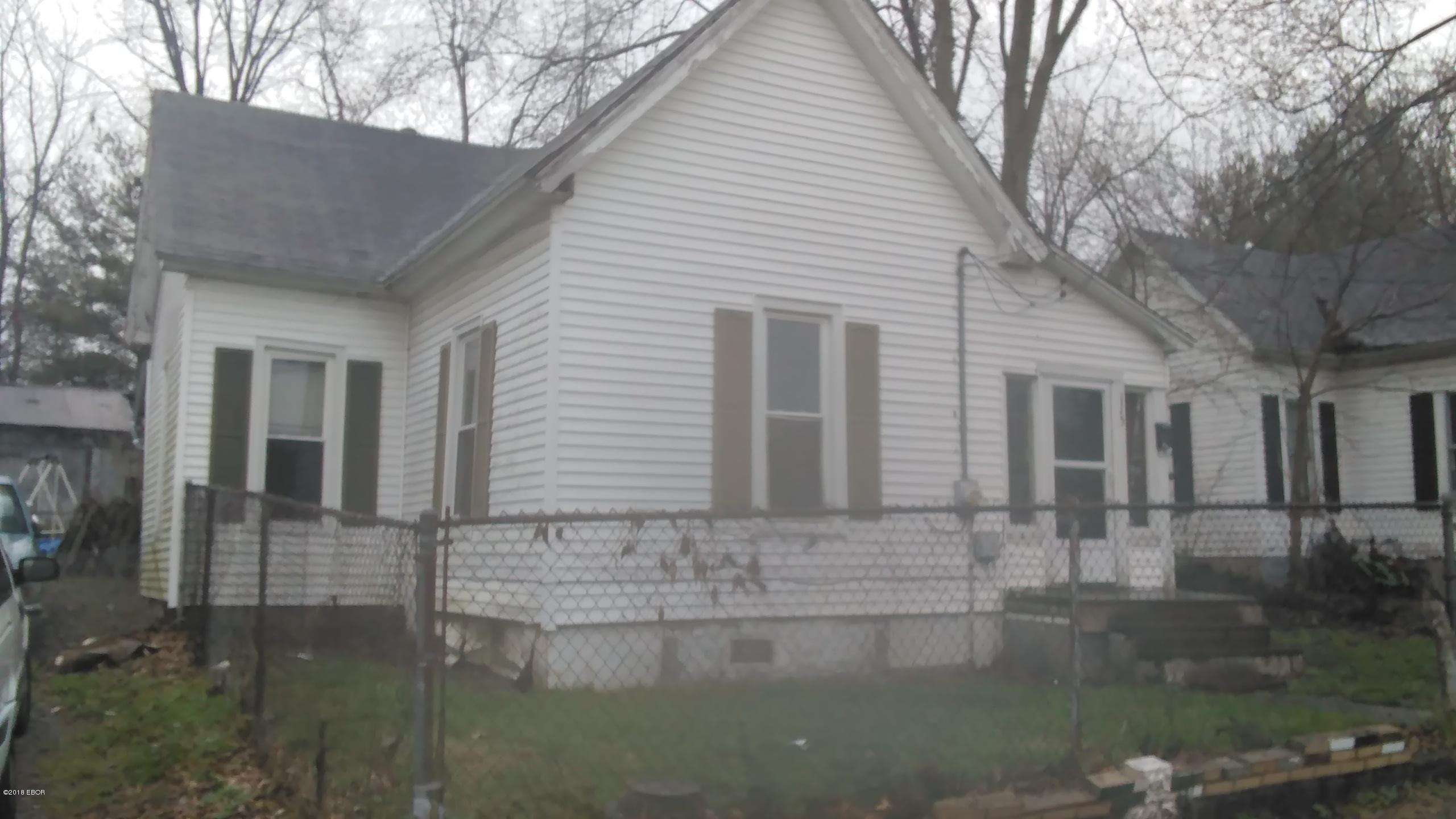 115 Warren Street Anna, IL 62906